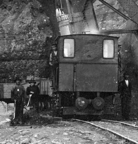 Rolf stadig i Norge. Udsnit af større foto. Arkiv Norsk Jernbanemuseum JM F009962.