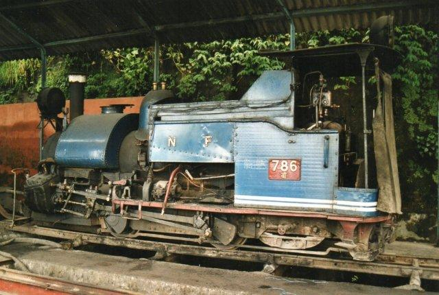 I depotet var der endnu et par lokomotiver. Her 786.