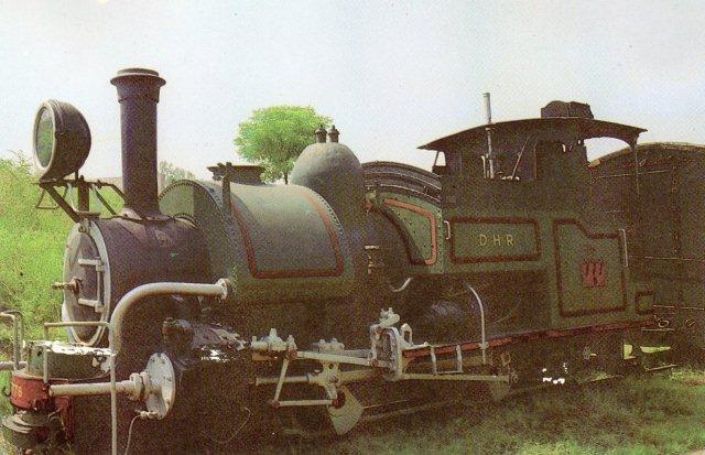 Et gammelt billede af 777 fra 1889. Det havde da stafferinger. Sharp, Stuart stod for konstruktionen. Inderne har dog selv senere moderniseret den.