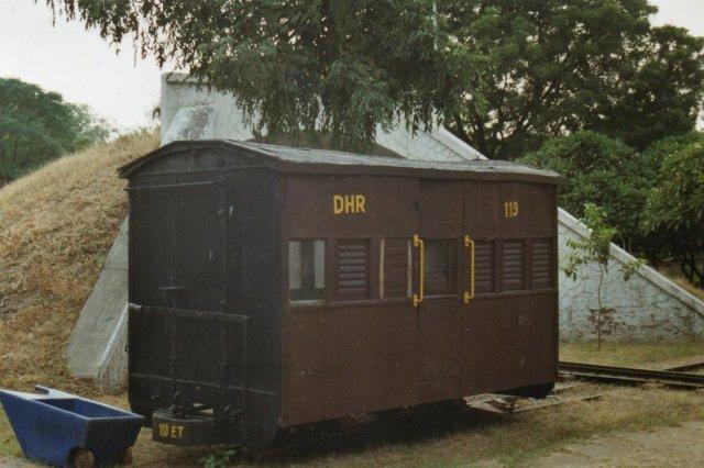 På museet var også opstillet en vogn af ældre model.