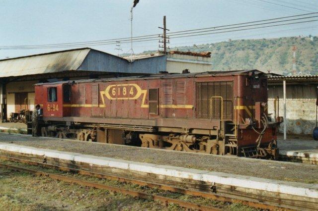 IR 6184 i Udaipur, der er en af de byer, der nu skulle have fået bredspor.