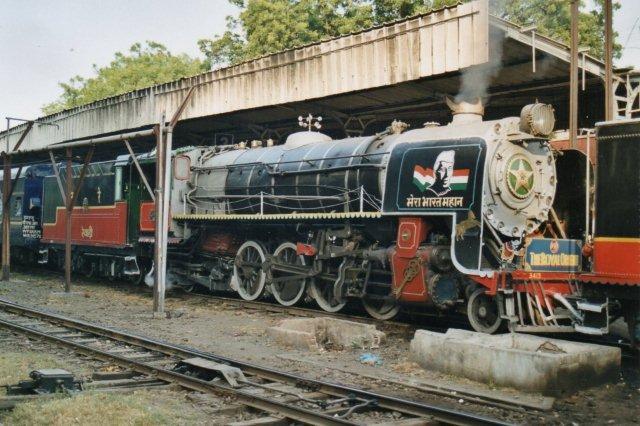 Anden maskine var YG 3438 lige så flot. Vi er i Rawawi Junction en tenderful kul fra New Delhi Cantonment. Resten af turen blev vi trukket af diesel.
