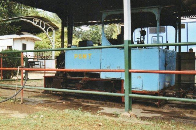 Denne O& fra 1907 ligner at normalt smalsporlokomotiv. Det er fra Patiala State Monorail Trainway. Man kunne køre en tur med det!