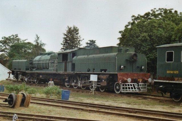 Bayer, Peakock Garrat fra 1930. 2'D0+0D'2. Typen slog ikke an i Indien, men den var populær i de britiske besiddelser i Afrika. De sidste tre fotos er fra de indiske Jernbanemuseum i New Delhi.