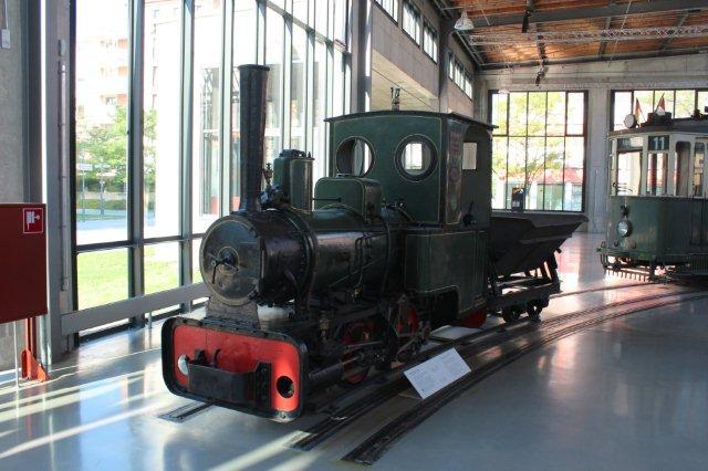 Krauss 4986/1903. 600 mm. Lokomotivet har tilhørt byggefirmaet Leonhard Moll AG i München og står nu på Trafikmuseet i München. Foto fra 30.08.2013.