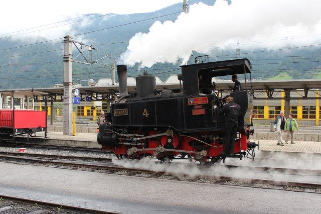 Lokomotiv nr. 4, Hannah fra 1889 og således 125 år gammelt rangerer i Jenbach 01.09.2013.