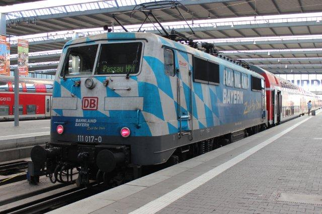 I München den 30. august 2013 om morgenen stod også DB 111 017-0 mærket Bahnland Bayern samt Roco.