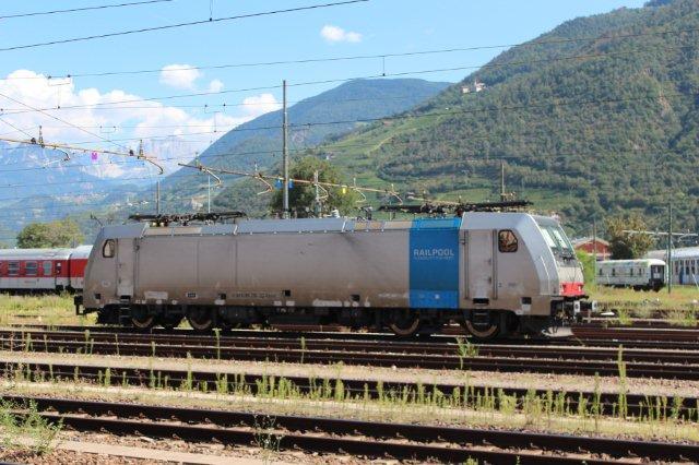 I Bozen holdt 91 80 6186 290-3 D-Rpool som identifikationen oplyser tilhørende Railpool. Billedet er fra 31.08.2013.