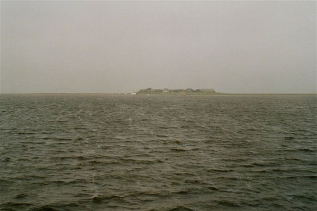 Mens der her var tørt land ud til halligen fot 12 timer siden, er der nu Vadehav.