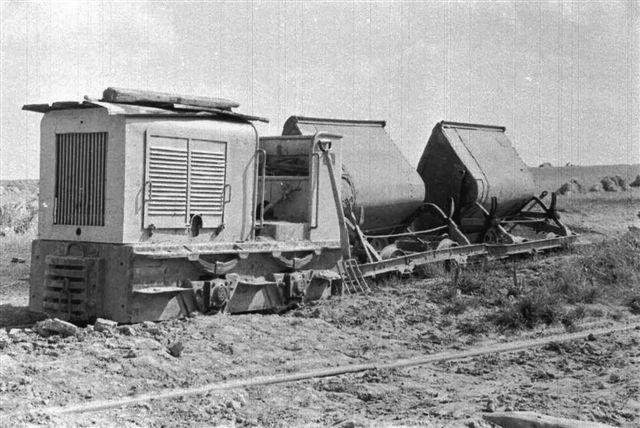 Værket havde også en Pedershåb. Der er dog ingen garanti for, at det var Emiliedals. Den kunne også være Slet eller et andet teglværk i nærheden af Århus. Foto: Hartvig Albrekt først i 1960'erne. På dette lokomotiv kendes intet nummer eller andre data.