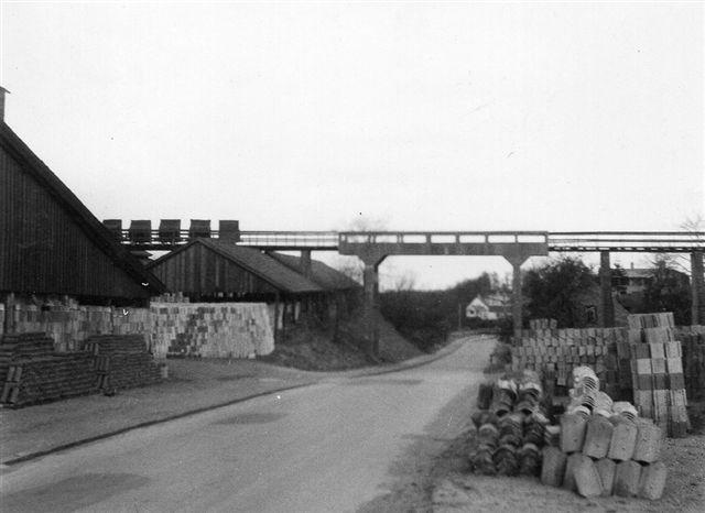 Broen over Emiliedalsvej fotograferet af SAG 1964.
