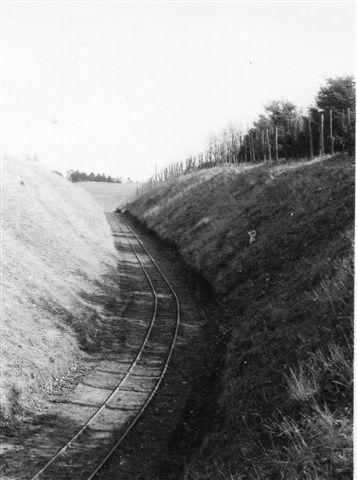 Banen var flittigt benytte og velholdt. Sporet lå godt. Usædvanligt godt i sammenligning med mange andre teglværker. Foto: SAG 1964.