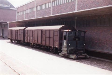 MILAG, Mindener Lagerhaus AG 1, Breuer 3079/1954. Type 5 L. i sporet ligger en tredjeskinne som en rest fra dengang MKB var 1000 mm.
