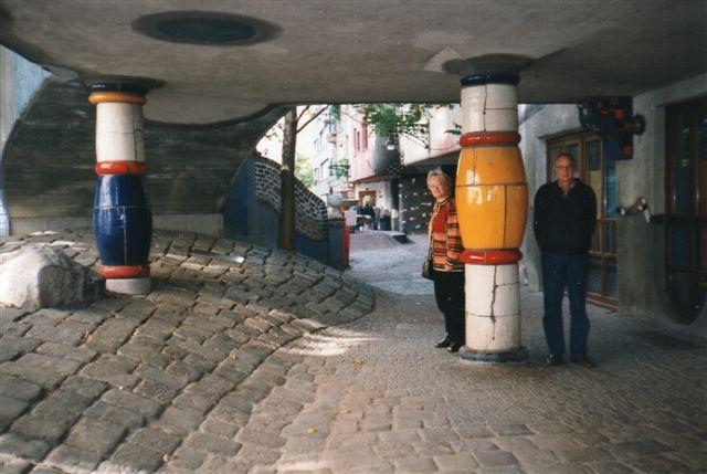 Hundertwassers beboelseshus i Wien var svært at komme på fotoafstand af, men detaljerne kan man undertiden et kort øjeblik få for sig selv unden andre turister.
