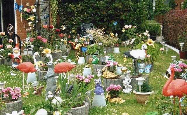 Mange journalisters yndlingsaversion, havenisser og andet godtfolk. Billedet viser nu ikke haven i Liebenburg, men en anden have i i en anden by. Hver lille by har mindst én sådan have!