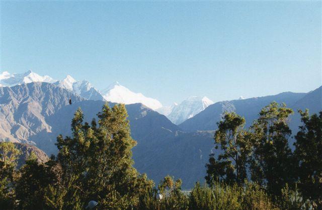 Rakaposi, 7788 meter set fra Gilgit i Pakistan 1999.