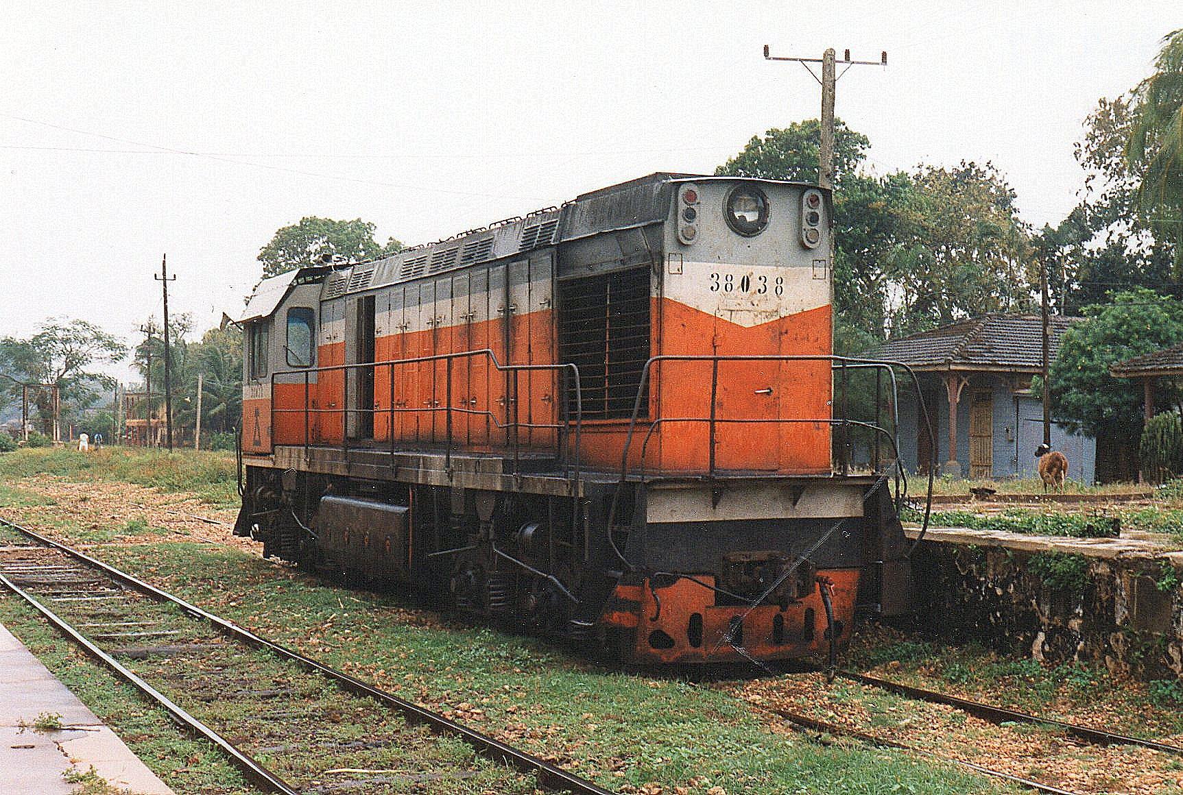 MINAZ 38 038, TGM-8K fra USSR 1981 på CAI 201, Gregorio Arlee Manalis, Møllen have et større smalspornet, men normalsporforbindelse til andre møller.