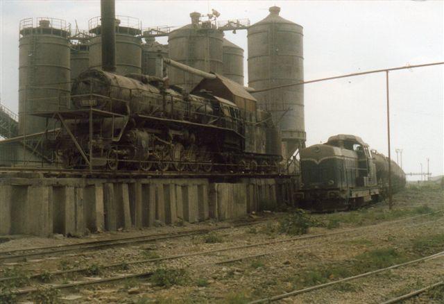 Ved siden af dette lokomotiv stod også et diesellok. Det var mærket LDH 125 212. Det skulle været et dieselhydraulisk lokomotiv på 1250 hk. Her læste jeg IUGC som ejer, men inden jeg fik det oversat, kom en venlig ingeniør, der kunne tysk. Han lod mig fotografere færdig, men bad mig så om at gå.