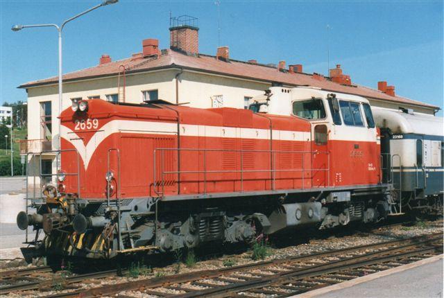 VR 2659 med persontog i Rovaneimi. Jeg så kun et lok af denne type. Foto fra 1997.