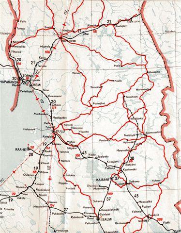 Udsnit af det nordlige Finland fra den nordlige del at Den bottniske Bugt. Rovaniemi ligger midt i den øvre rand. Flere finske baner ender ved grænsen til Rusland, men før krigen havde finnerne områder øst herfor også. Banen fra Rovaniemi var på vej til Barentshavet til Petsamo, som russerne heller ikke undte finnerne. Kortet er fra 1955.