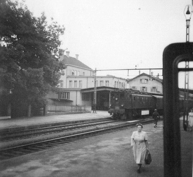 Uidentificeret italiensk elektrisk lokomotive et eller andet sted på Brennerbanen. Foto: Hans Kristian Hansen 1962.