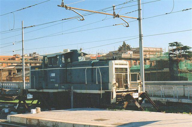 På Roma Termine så jeg 1998 denne umiskendelige forhenværende tyske V 60, der stadig havde dele af sit DB-nummer i behold. Den hed nu Tl 47. Ejeren er ukendt, men hos DB var den 260 029-4.