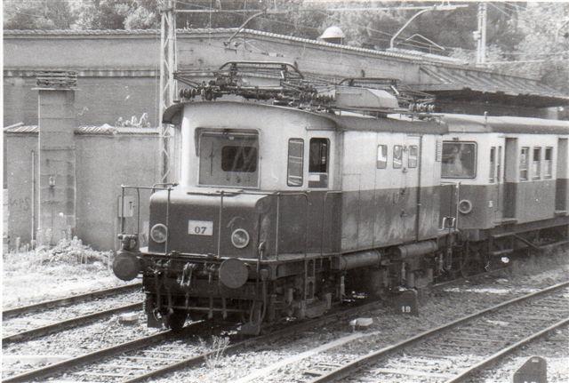 ACOTRAL E 07 på Porta S. Paulo i Rom 1986. Ovebstående foto kunne godt være et andet eksemplar af denne lokomotivtype? Nummer ligger tæt på. Foto: ILA Barths.
