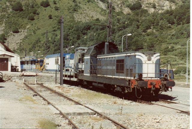 Banetjenesten holdt i l'Hospitalet i Pyrenæerne i 1988 med SNCF BB 66 036 fra Alstrom 1959.