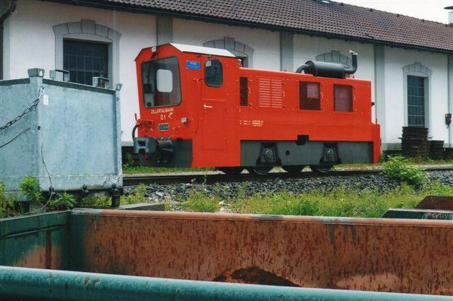 """ZB D1 bygget af Diema 1991 til den schweiziske cementfabrik Holcim, der solgte det 2013 til ZB. Nu hvor godstrafikken er ophørt, er der ikke den store brug for det, men man håber på, at godskunden igen skal blive """"grøn."""" Foto: BH 2013."""