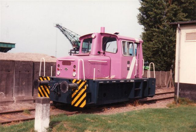 Stadtwerke Wesel 1, O&K 25215. Byggeåret er ikke hugget ind. På banen kørte også veterantog. I remisen stod Stadtwerke Wesel 6, O&K 26760, Foto: BH 1991.