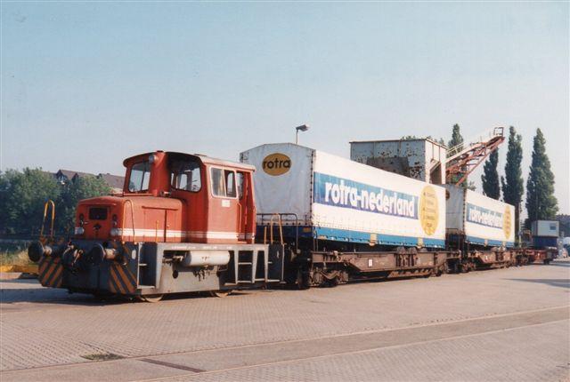 Stadtwerke Emmerich 4, O&K 26605/1966 på havnen.