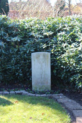 Også blandt de allierede var der uidentificerede. Flere allierede flyvere faldt ned i området omkring Fredericia.