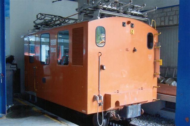 GGB He 2/3 3003. Bygget 1898 af SLM, SIG og BBC i tre ekemplarer. 184 kW. 9 km/t . To resterer endnu. De er moderniseret 1966 og 1975. Foto i Zermatt på Gornargratbanegården 2009.