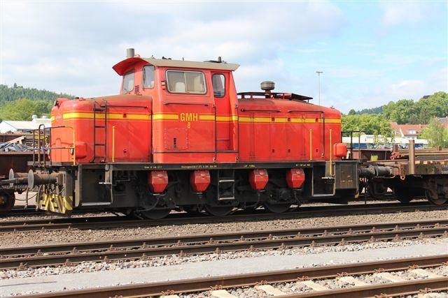 4462 GMH 8. Det er er af de aldrende Deutz-lokomotiver, som værket fandt bedre end nye. (Fra MaK?) Måske skyldes kærligheden til Deutz, at værket tidligere var med i Klöckner-Humbold- Deutz-koncernen?