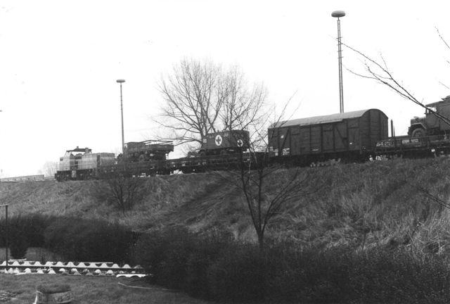 For enden af den tidligere Südstormarnsche Kreisbahn lå et militærdepot i Glinde, banen eneste kunde. Banen førte oprindelig til Trittau. Lokomotivet er uidentificeret, men fotoet er fra 1988.