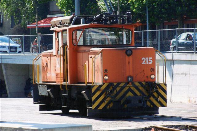 RhB 6 498. RhB Ge 3/3 215. Bygget i to eksemplarer af Raco og BBC. 40 km/t 33 t. 425 kW ved 27 km/t. 215 kører i Chur og 214 i Samedan. Foto i Chur 2009.