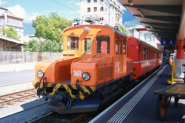 RhB Ge 2/2 161 i Tirano. 162 sås i Poschiavo. e er bygget 1911 til Berninabane, men overtoges sammen med banen i 1942 af RhB. 2009.
