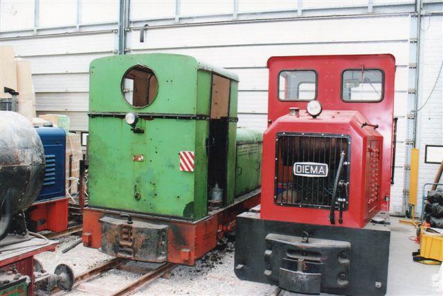 Schinznach Baumschulbahn En Diema til højre og en Deutz-lignende en, der bar en Ruhrtaler-plade med byggenummeret 3325/1955. 54 hk. 2012.