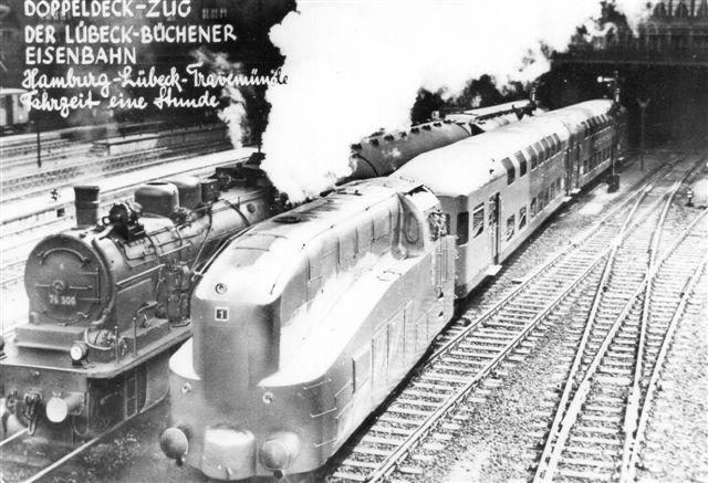 Lübeck - Büchen Eisenbahngesellschaft, Lok 1, Henschel 1935. Der er tale om et forklædt damplokomotiv, der blandt køret badegæster til Travemünde i to-etages vogne, der i øvrigt endnu er bevarede. 74'eren er efter nummeret at dømme Fra DRG, selv om LBE også havde 74'ere. Postkort formentlig fra Hamborg 1935. nationaliseringen. Jeg tror nu, det er en DRG