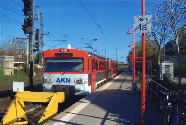 AKN i Elmshorn med tog til Barmstedt. Også denne privatbane drives af AKN. Vi er uden for Hamborgs område, men dog i Storhamborg. 2010.