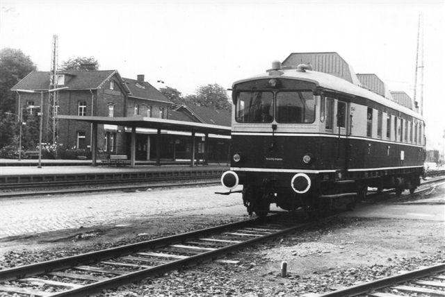 BHE 761. Ingen data ud over, at der stod Nürnberg VT 176 på den. Vognen var klubejet, og klubben kørte veterantog med den én søndag i hver måned. Her kørte den dog et særtog med skolebørn på udflugt. 1984.