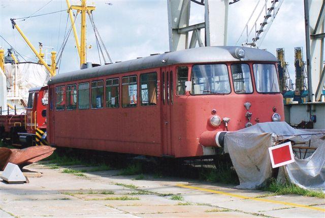 Freunde der Hamburger Hafenbahn e. V. VT 4.42, MaN 142481/1956 og foran Hamburger Hafenbahn V 221, O&K 6261/1962. MV6B. 2009.