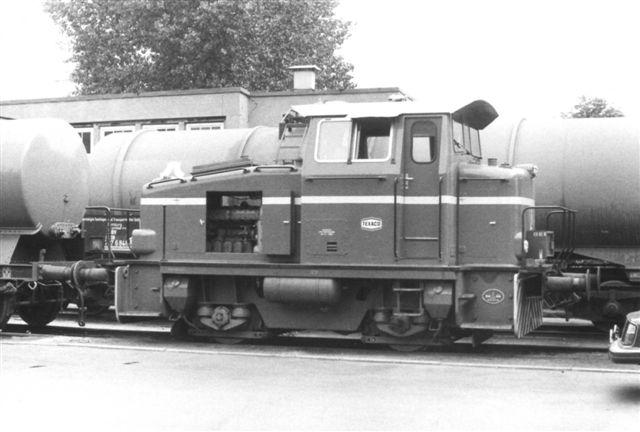 Værket havde også et lokomotiv uden nummer. Det er Deutz 58176/1967. Type. KG 230 B. 230 hk. Også det var rødt. Foto: Formentlig Ulrich Völz.