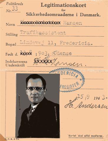 I 1943 fik vi nye Legitimationskort denne gang med billede. Igen har jeg slettet lidt. Adressen eksisterer ikke mere, selv om misbrugere ikke ved det.