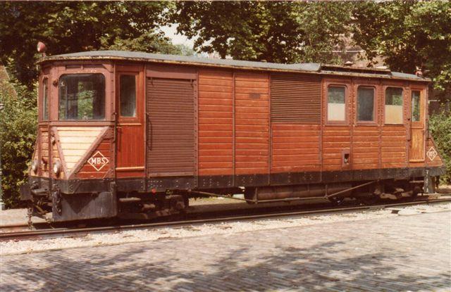 Motorlok fra RTM, der dog tidligere havde kørt på Maas - Buurts Sporweg som MBS 103. Foto på Jernbanemuseet i Utrecht.