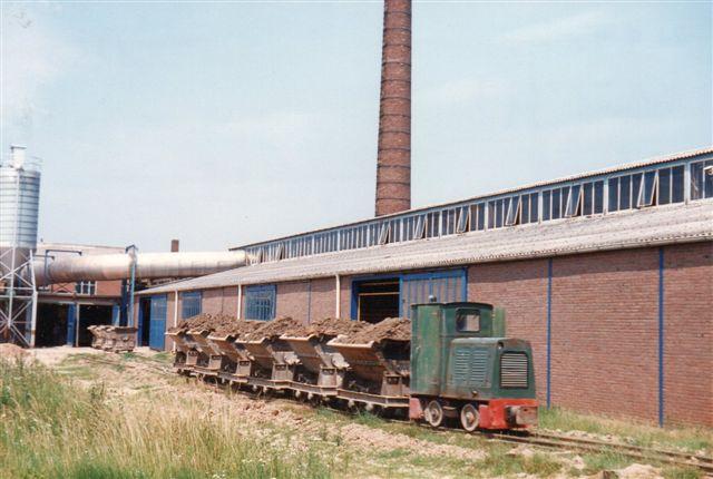 Steenfabriek Druten BV. Værket tilhørte RoDruZa-gruppen. Også her kørtes kun ler fra lager til værk. Schöma 2638/1962. DS 28.