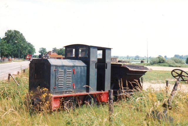 Steenfabriek Overbetuwe BV, Elst. Diema 1623. Lokomotivet var opstillet som denkmal, idet vi var løbet ind i en stime på tre værker med nedlagte baner.