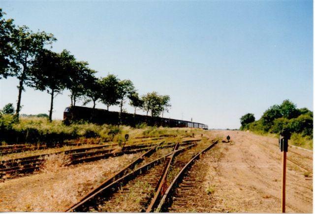 På ankomstristen kom jeg ikke, før det var for sent. Sporene ligger endnu, men er ude af brug. Foto: Bent Hansen 1989.