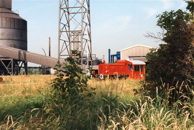 I 1994 kørte lok 1, Deutz 57003/1959 type A6M517R ex. DB 323 093-5. 1990 skiftede lokomotivet fra DB til HAW.
