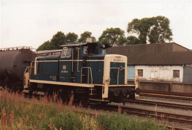 DB 360 908-8 kom formentlig også fra Esso med et træk tankvogne. 1992.